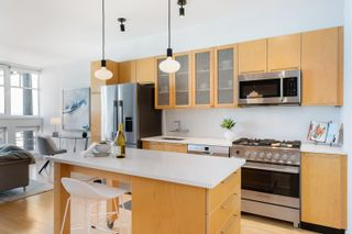 """Photo 4: 401 1072 HAMILTON Street in Vancouver: Yaletown Condo for sale in """"The Crandrall"""" (Vancouver West)  : MLS®# R2620695"""