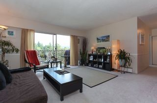 """Photo 4: 63 2002 ST JOHNS Street in Port Moody: Port Moody Centre Condo for sale in """"PORT VILLAGE"""" : MLS®# R2197054"""