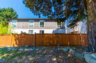 Photo 2: 629 DOUGLAS Street in Hope: Hope Center Townhouse for sale : MLS®# R2481543