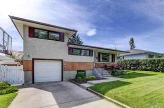 Photo 1: 67 Chancellor Way NW in Calgary: Cambrian Heights Detached for sale : MLS®# A1118137