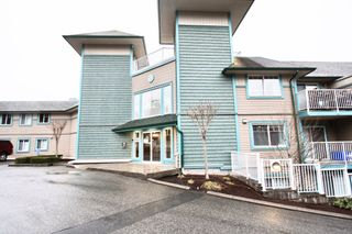 Photo 3: 308 33960 Old Yale Road in Abbotsford: Abbotsford East Condo for sale : MLS®# R2547192