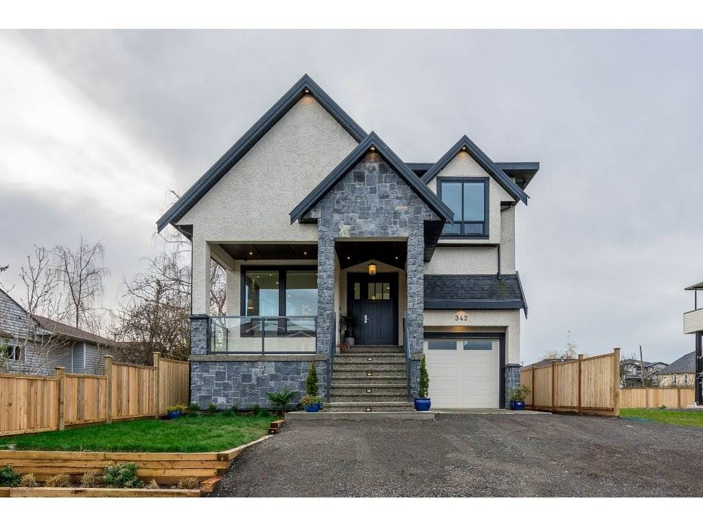Main Photo: 342 FENTON Street in New Westminster: Queensborough House for sale : MLS®# R2334257