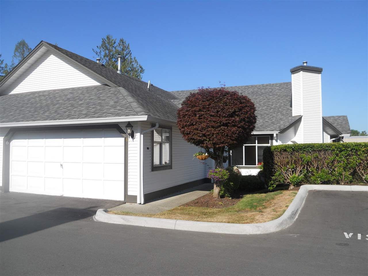 """Main Photo: 6 19649 53 Avenue in Langley: Langley City Townhouse for sale in """"Huntsfield Green"""" : MLS®# R2192002"""