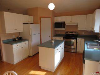 Photo 5: 235 Vineland Crescent in WINNIPEG: Fort Garry / Whyte Ridge / St Norbert Residential for sale (South Winnipeg)  : MLS®# 1422601