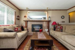 Photo 2: 7559 BLUEJAY Crescent in Mission: Mission BC House for sale : MLS®# R2463228