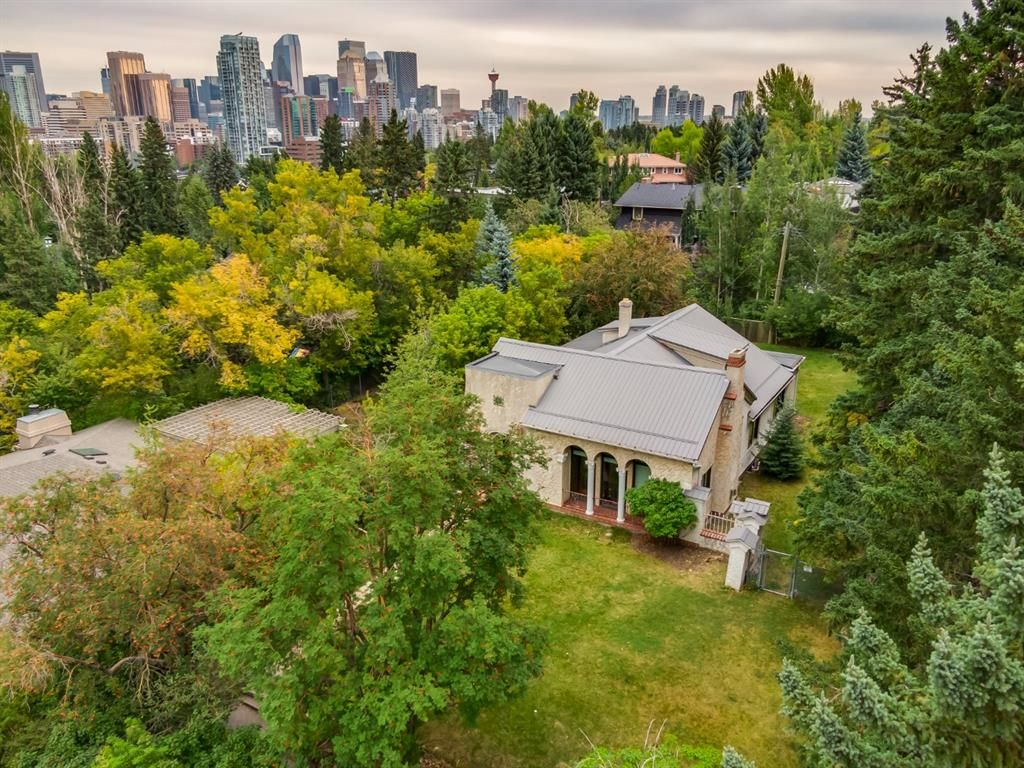 Outstanding private lot with views at second story level