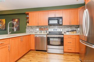 Photo 11: 304 364 Goldstream Ave in VICTORIA: Co Colwood Corners Condo for sale (Colwood)  : MLS®# 840419