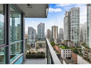 """Photo 8: 1304 833 SEYMOUR Street in Vancouver: Downtown VW Condo for sale in """"Capitol Residences"""" (Vancouver West)  : MLS®# R2504631"""