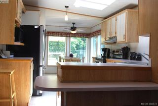 Photo 5: C 14 Chief Robert Sam Lane in VICTORIA: VR Glentana Manufactured Home for sale (View Royal)  : MLS®# 765309