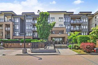 Photo 2: 301 20058 Fraser Hwy in Langley: Langley City Condo for sale : MLS®# R2375899