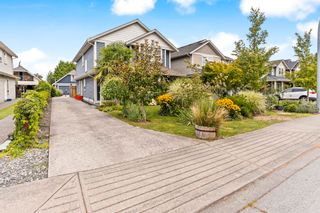 Photo 2: A 4951 CENTRAL Avenue in Delta: Hawthorne House for sale (Ladner)  : MLS®# R2610957