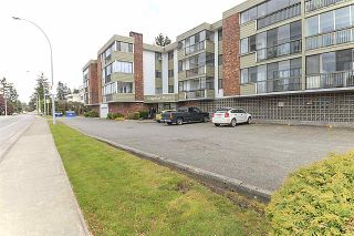 """Photo 1: 203 32040 PEARDONVILLE Road in Abbotsford: Abbotsford West Condo for sale in """"Dogwood Manor"""" : MLS®# R2166027"""