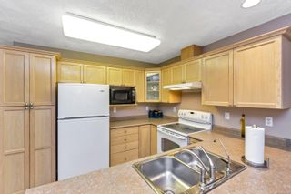 Photo 2: 2 920 Brulette Pl in : ML Mill Bay Row/Townhouse for sale (Malahat & Area)  : MLS®# 859918