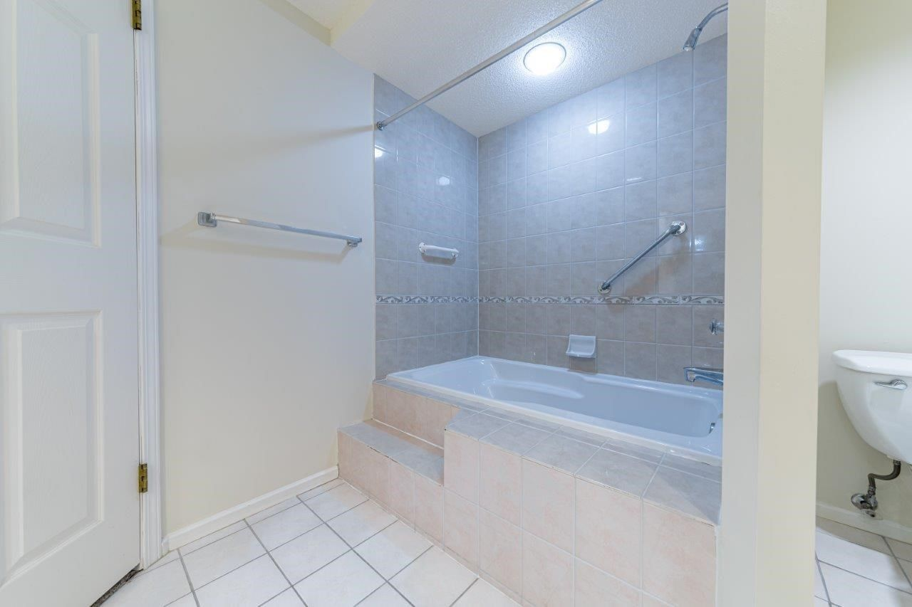 """Photo 9: Photos: 209 3690 BANFF Court in North Vancouver: Northlands Condo for sale in """"BANFF COURT"""" : MLS®# R2563750"""
