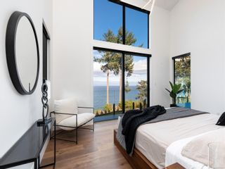 Photo 37: 5460 Bayshore Dr in : Na North Nanaimo House for sale (Nanaimo)  : MLS®# 859841