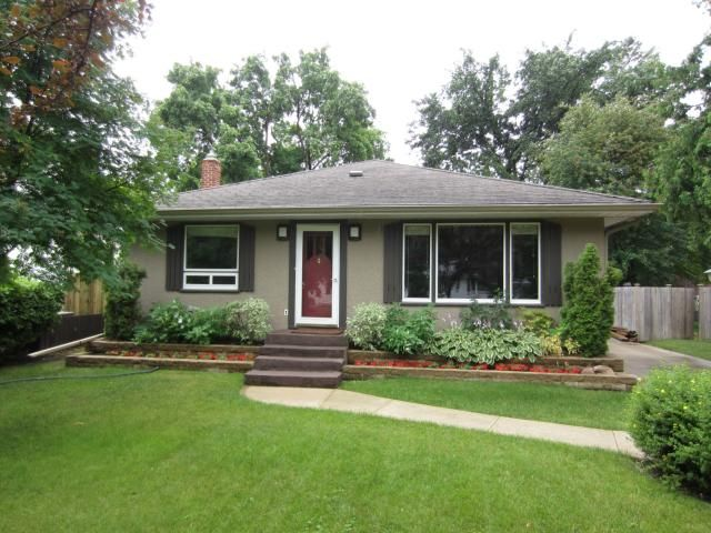 Main Photo: 656 Kildonan Drive in WINNIPEG: East Kildonan Residential for sale (North East Winnipeg)  : MLS®# 1316204