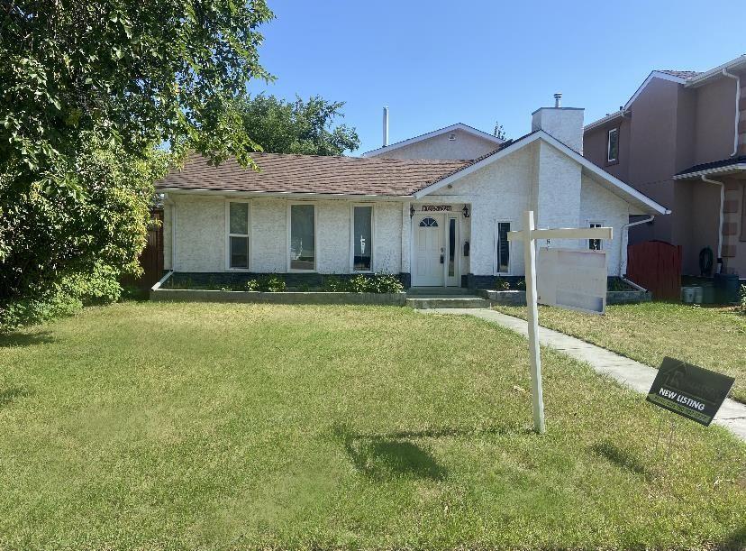 Main Photo: 10205 162 Street in Edmonton: Zone 21 House for sale : MLS®# E4260474