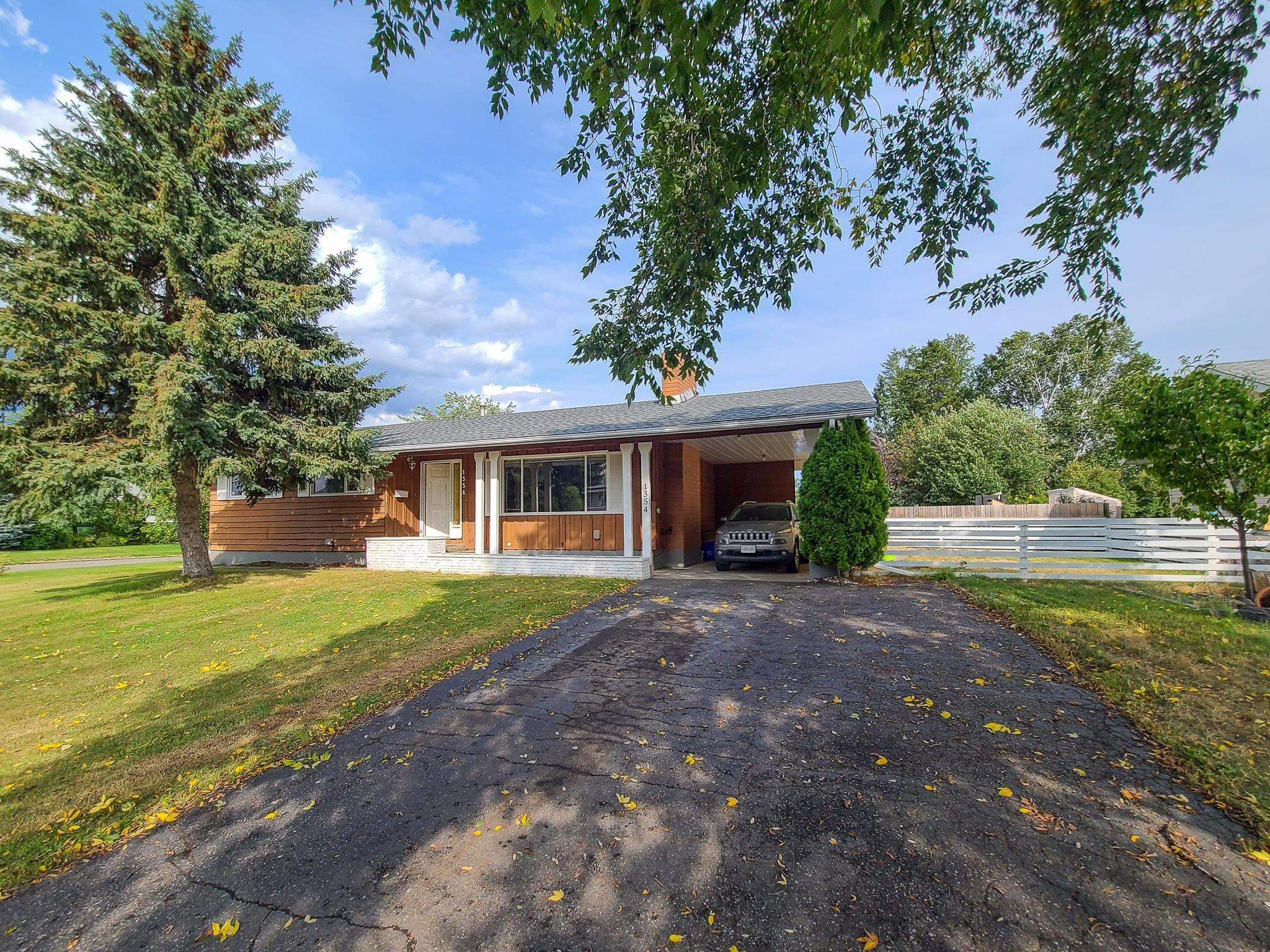 """Main Photo: 1354 LIARD Drive: Spruceland House for sale in """"Spruceland"""" (PG City West (Zone 71))  : MLS®# R2609884"""