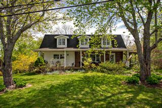 Photo 1: 10 Maple Grove Avenue in Lower Sackville: 25-Sackville Residential for sale (Halifax-Dartmouth)  : MLS®# 202008963