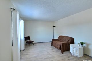 Photo 3: 1409 Goshen Place in Prince Albert: East Flat Residential for sale : MLS®# SK844682