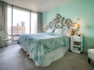 """Photo 9: 2001 1111 ALBERNI Street in Vancouver: West End VW Condo for sale in """"SHANGRI-LA"""" (Vancouver West)  : MLS®# R2565031"""