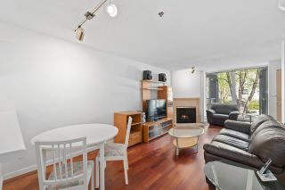 """Photo 7: 930 W 14TH Avenue in Vancouver: Fairview VW Townhouse for sale in """"Fairview Court"""" (Vancouver West)  : MLS®# R2574639"""