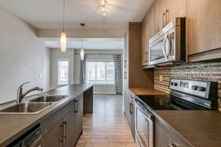 Photo 5: 227 Marquis Lane SE in Calgary: Mahogany Row/Townhouse for sale : MLS®# A1130377