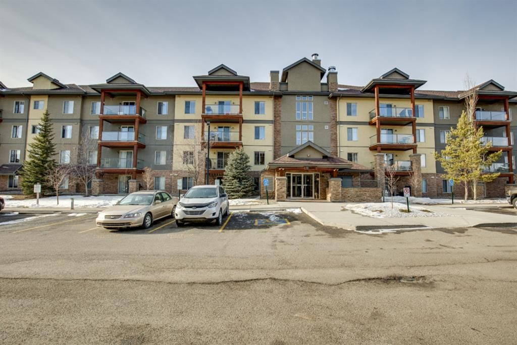Main Photo: 3310 92 Crystal Shores Road: Okotoks Apartment for sale : MLS®# A1066113