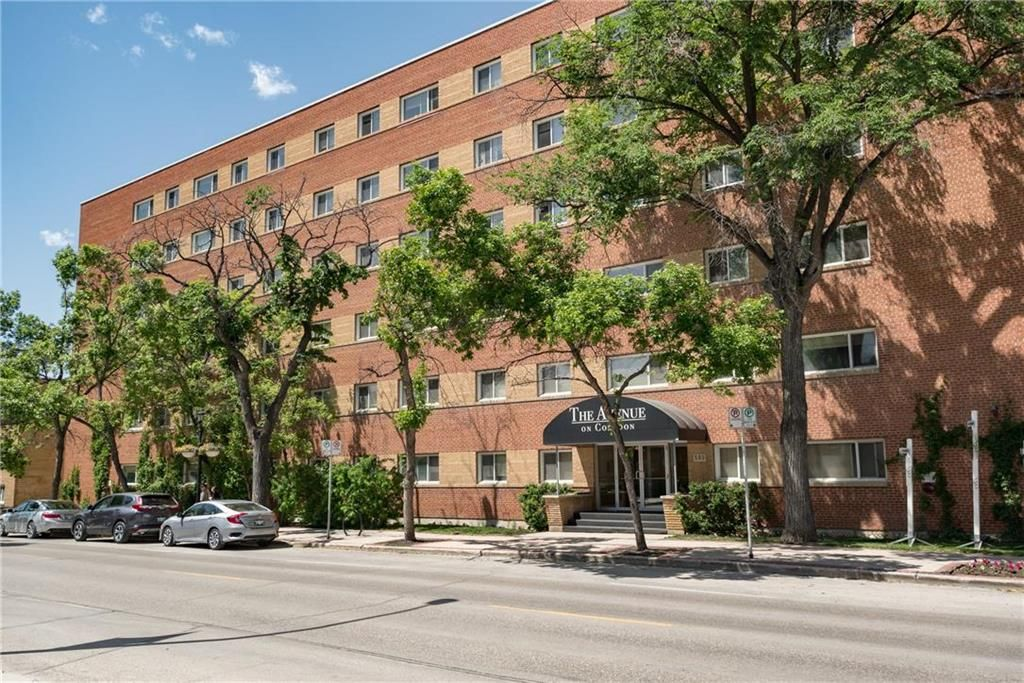 Photo 1: Photos: 406 565 Corydon Avenue in Winnipeg: Condominium for sale (1B)  : MLS®# 202025502