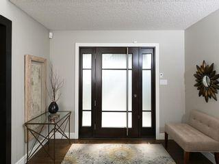 Photo 9: 2410 BAY VIEW Place SW in Calgary: Bayview House for sale : MLS®# C4137956