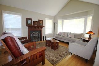 """Photo 3: 21729 MONAHAN Court in Langley: Murrayville House for sale in """"Murray's Corner"""" : MLS®# R2310988"""