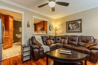 """Photo 9: 47 6521 CHAMBORD Place in Vancouver: Fraserview VE Townhouse for sale in """"La Frontenac"""" (Vancouver East)  : MLS®# R2469378"""