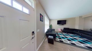 Photo 3: 2829 MAPLE Way in Edmonton: Zone 30 Attached Home for sale : MLS®# E4264154