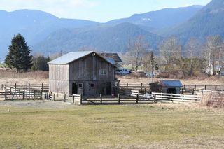 """Photo 2: 41666 DYKE Road in Mission: Dewdney Deroche House for sale in """"Deroche"""" : MLS®# R2142227"""
