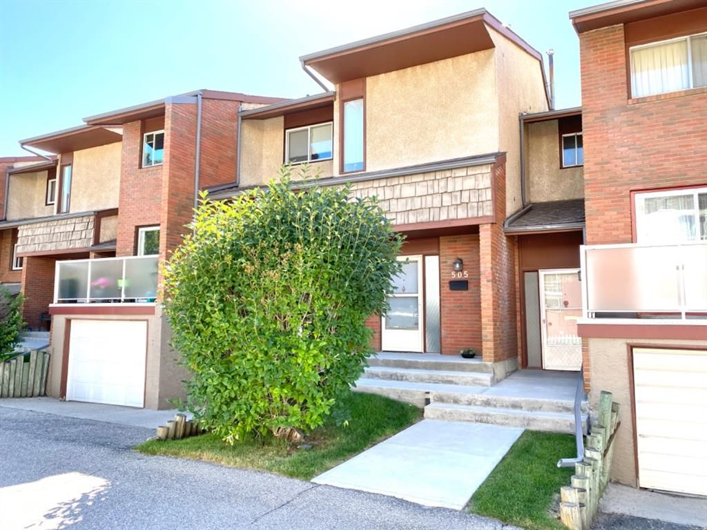 Main Photo: 505 1305 GLENMORE Trail SW in Calgary: Kelvin Grove Row/Townhouse for sale : MLS®# A1017648