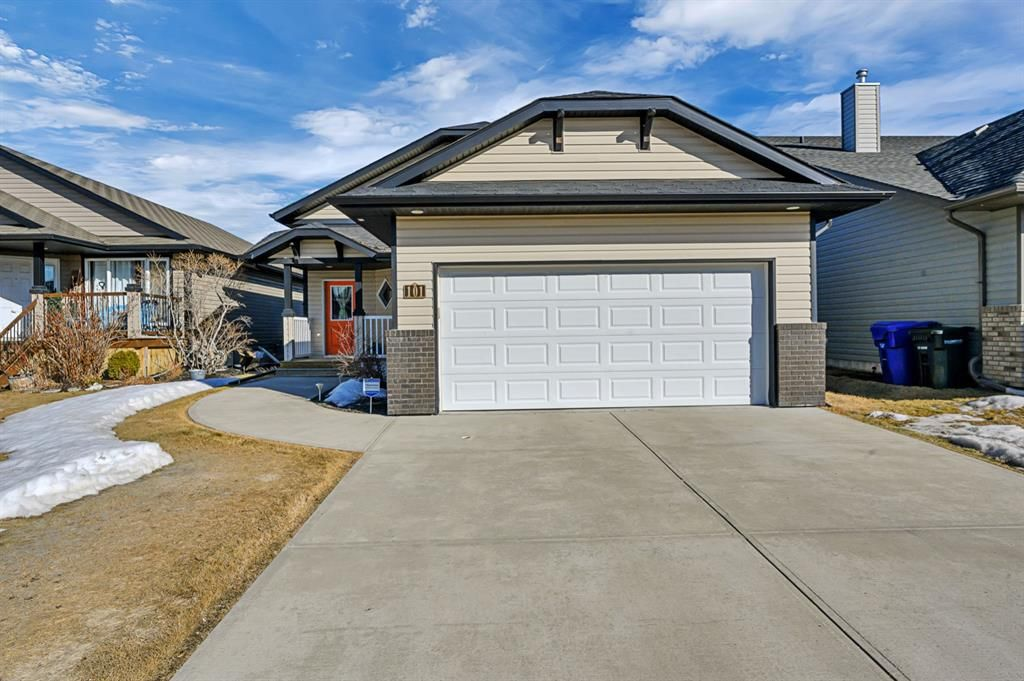 Main Photo: 101 Willow Green: Olds Detached for sale : MLS®# A1143950