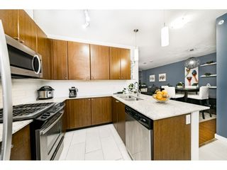 """Photo 2: 1707 280 ROSS Drive in New Westminster: Fraserview NW Condo for sale in """"THE CARLYLE"""" : MLS®# R2502203"""