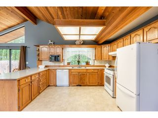 """Photo 4: 6057 243 Street in Langley: Salmon River House for sale in """"Salmon River"""" : MLS®# R2538045"""