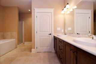 """Photo 11: 35488 JADE Drive in Abbotsford: Abbotsford East House for sale in """"Eagle Mountain"""" : MLS®# R2222601"""