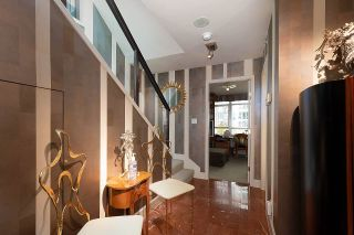 Photo 12: 1007 1288 MARINASIDE CRESCENT in Vancouver: Yaletown Condo for sale (Vancouver West)  : MLS®# R2514095