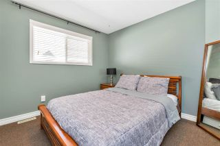 """Photo 13: 18461 65 Avenue in Surrey: Cloverdale BC House for sale in """"Clover Valley Station"""" (Cloverdale)  : MLS®# R2458048"""