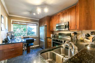 Photo 3: 2345 MOUNTAIN HIGHWAY in North Vancouver: Lynn Valley Townhouse for sale : MLS®# R2114442