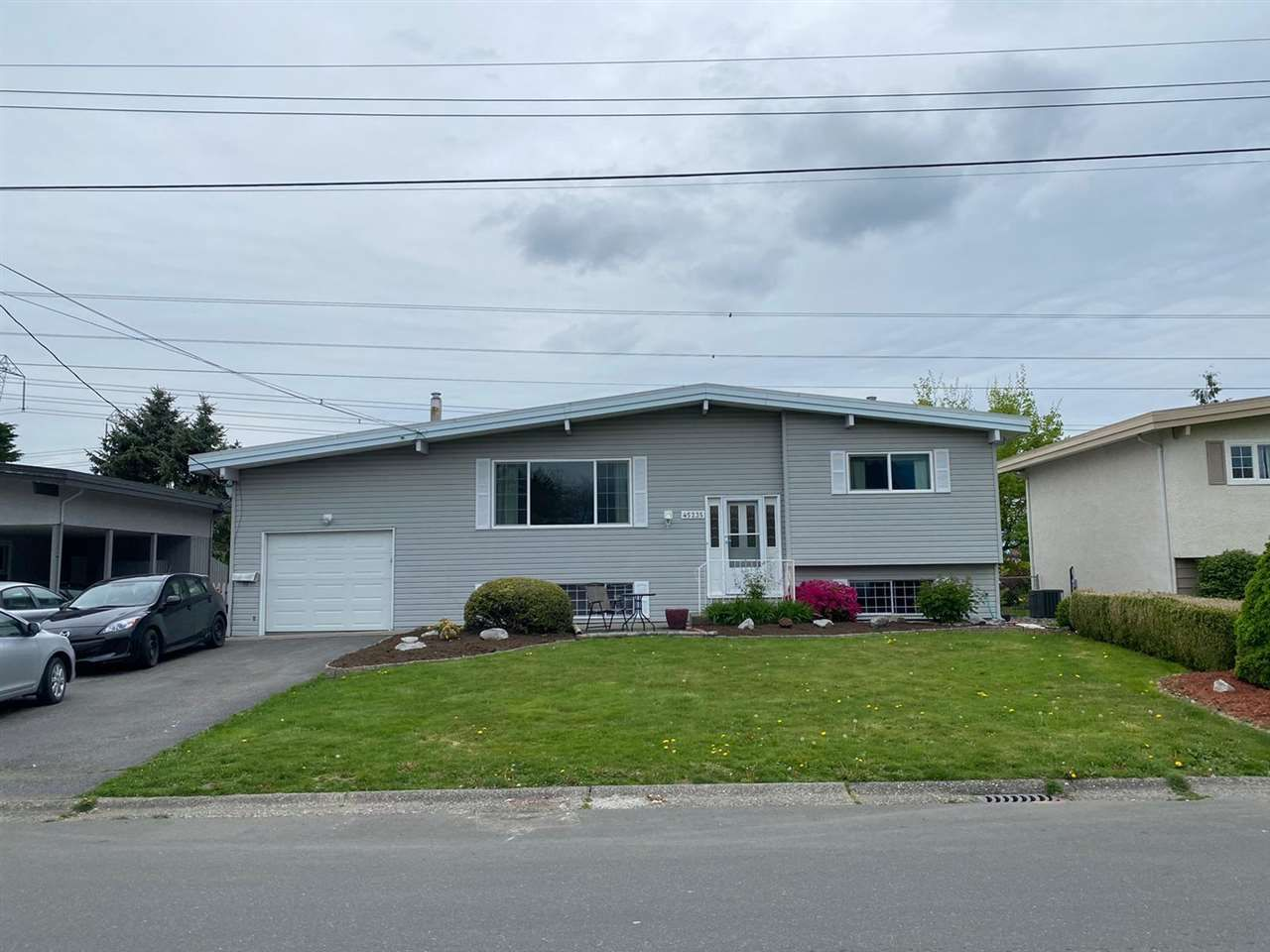 Main Photo: 45235 ROSEBERRY Road in Chilliwack: Sardis West Vedder Rd House for sale (Sardis)  : MLS®# R2592446