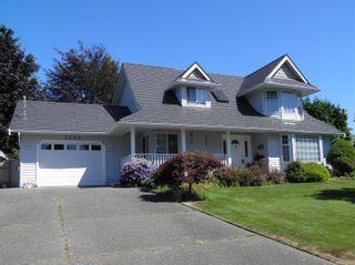 Photo 1: 1504 Comox Ave in : CV Comox (Town of) House for sale (Comox Valley)  : MLS®# 850587
