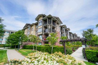 "Photo 2: 407 5885 IRMIN Street in Burnaby: Metrotown Condo for sale in ""Macpherson Walk"" (Burnaby South)  : MLS®# R2500930"