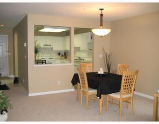 """Photo 4: 208 19122 122ND Avenue in Pitt_Meadows: Central Meadows Condo for sale in """"EDGEWOOD MANOR"""" (Pitt Meadows)  : MLS®# V715650"""