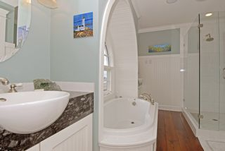 "Photo 14: 987 PARKER Street: White Rock House for sale in ""White Rock Hillside"" (South Surrey White Rock)  : MLS®# F1303267"