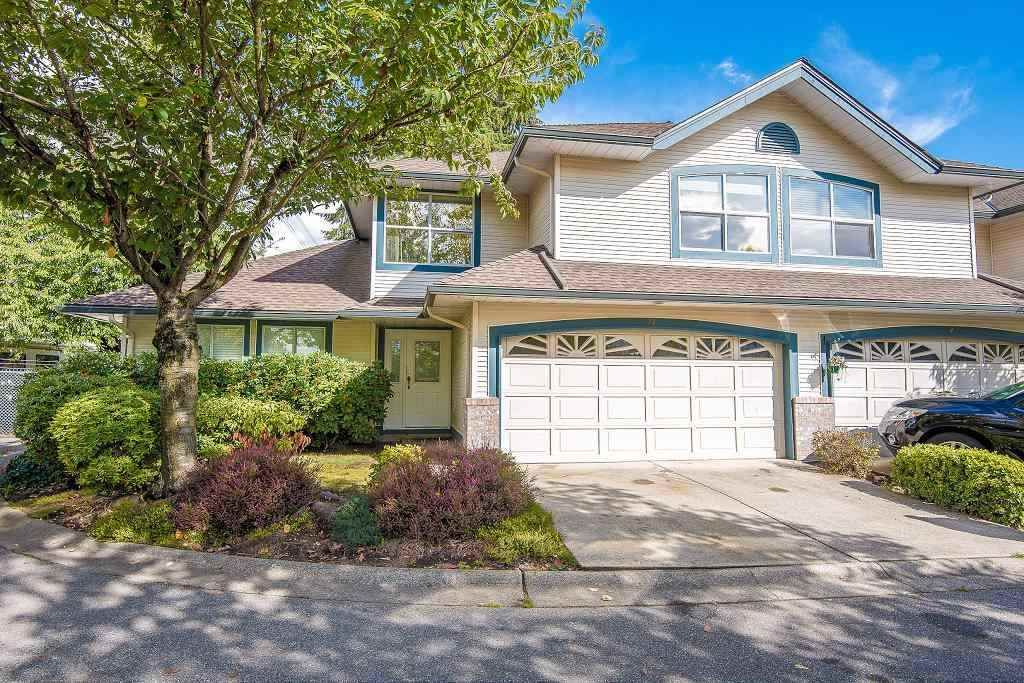 Main Photo: 33 7330 122 Street in Surrey: West Newton Townhouse for sale : MLS®# R2468560