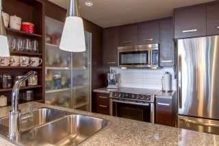 """Photo 8: 1804 2959 GLEN Drive in Coquitlam: North Coquitlam Condo for sale in """"The Parc"""" : MLS®# R2398572"""
