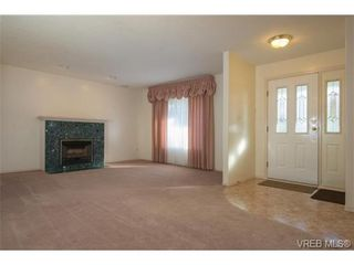Photo 7: 2318 Francis View Dr in VICTORIA: VR View Royal House for sale (View Royal)  : MLS®# 686679